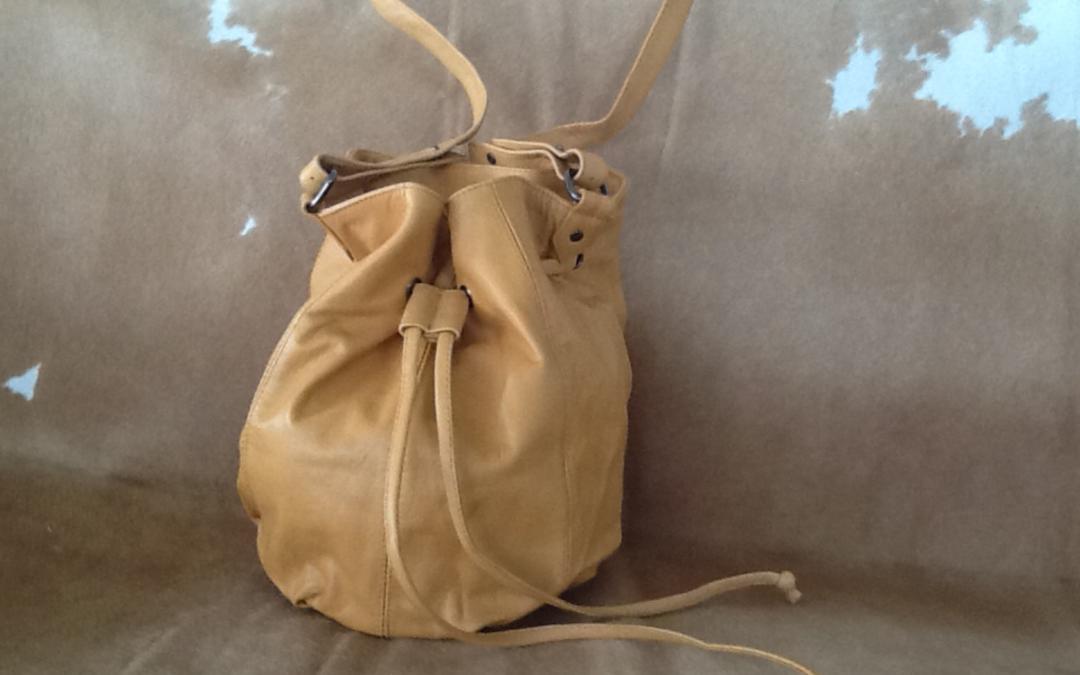 H62 Drawstring Bag